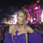 ハン・イェスル、大胆セクシーファッションでフェスに登場