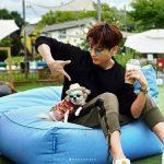 【トピック】俳優イ・ジュンギ、愛犬と遊ぶ姿が少年のようだと話題