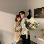 女優パク・シネ、変わらない輝く美貌!リュ・ドクファンを応援!