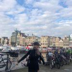 ヒョヨン(少女時代)、オランダでも映えるスタイル…世界を楽しむ笑顔