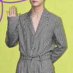 「PHOTO@ソウル 」歌手キム・ドンハン、「2020 S/S ソウルファッションウイーク」フォトウォールイベントに登場