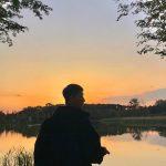 俳優パク・ソジュン、夕焼けの河原で「グラビアのような日常」