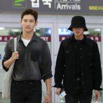 """「PHOTO@金浦」東方神起、日本から帰国!""""今日は一緒のブラックファッションで"""""""