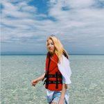 元2NE1のDARA、ボホール海ほど眩しい美貌+なめらかな脚線美