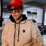 BIGBANG T.O.P、ラフな着こなしにファッションセンスが溢れる…絵画を鑑賞する知的なイケメン