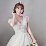 女性ソロ歌手NAVI、本日(11/30)1歳年上の一般男性と結婚、司会はキム・シニョン