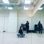 """女優パク・シネ、明るい笑顔であいさつ!""""ファンミでダンス披露?期待感アップ"""""""