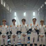 防弾少年団(BTS)、レーシング少年団に変身…「フォーミュラE」グローバル広報大使として新年のあいさつ