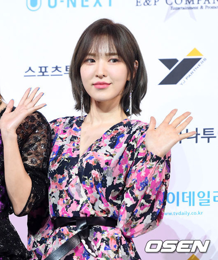 「Red Velvet」ウェンディの「SBS歌謡大祭典」での事故、当時の状況が徐々に明らかに