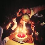 キー(SHINee)、故ジョンヒョンと共に 「メリークリスマス」=完全体でのグループ写真を公開