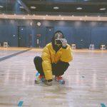 "JBJ95高田健太、しゃがみこんでスマホを見るキュートな姿公開…""終わり~~"""