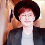 <トレンドブログ>俳優パク・シフ、胸キュンさせる甘~いアイコンタクト‥クリスマス迎えセルフィーのプレゼント!