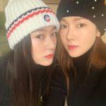 <トレンドブログ>ジェシカXクリスタル、チョン姉妹の美しさはいつ見ても新しくて..双子コーデでカシャッ
