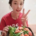 <トレンドブログ>女優ファン・ジョンウム、菜食キャンペーン参加の認証ショット..Vラインがさらに目立ってる!