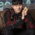 「インタビュー」イ・イギョン、「クォン・サンウ先輩のオタクなので本物の弟になりたい」、映画「ヒットマン」で共演中