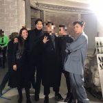 G-DRAGON、パリで輝くファッション感覚、キム・ミンジュン&クォン・ダミとの家族写真を公開