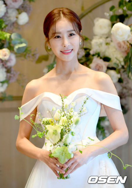 女優ハン・ダガム、きょう(5日)1歳年上の一般男性と結婚式「プロポーズは5日前」