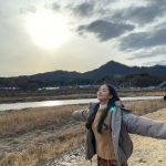 <トレンドブログ>女優パク・ミニョン、江原道の激しい風を満喫する大地の女神..日差しよりまぶしい清純美