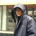 <トレンドブログ>キム・ドンジュン、降りしきる雪の中で輝く笑顔…アイコンタクトにドキドキ