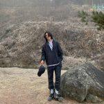 <トレンドブログ>俳優リュ・ジュンヨル、長髪になった近況公開…今までとはまた違った雰囲気