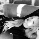 <トレンドブログ>「BLACKPINK」ロゼ、ソファーに横になってセクシーさを誇る…視線オールキル