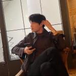 """KAI(EXO)、SNSにキム・ティモテオ(HOTSHOT)との""""ペディンズ""""友情デートを公開…「よく撮れてる? 」"""