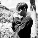 俳優イ・ジュンギ、祈るようなポーズで近況伝える