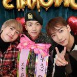 2PM Jun.K、ウヨンの除隊祝い…ニックンと3人で撮った写真公開