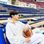 ASTROチャ・ウヌ、信じられない、バスケットボールより小さい顔!
