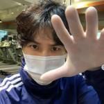 俳優キム・ジソク、新型コロナウイルス拡散の中でも運動…「衛生手袋、マスク未着用時は立ち入り禁止」