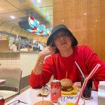 """CNBLUEイ・ジョンシン、D-35、変わらないイケメン姿であいさつ!""""まるでハンバーガーCMのようなクオリティ"""""""