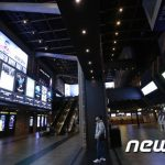 週末の映画観客数11万人台に 減少に歯止めかからず…韓国