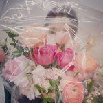 【トピック】女優パク・シネ、花の後ろに隠れても隠せない美女オーラ全開写真が話題