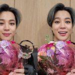 """防弾少年団(BTS)ジミン、「ミュージックバンク」1位の記念ショット…""""アーミー、賞もらったね"""""""