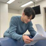 俳優チュウォン、只今ドラマの撮影中?際立つ笑顔に視線集中!