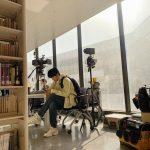 <トレンドブログ>ソン・ホジュン、図書館で絵のようなビジュアル..大学生といっても信じそう