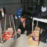 <トレンドブログ>ファン・チヨル、スーツ着て意外なかわいさ..隠れてお菓子もぐもぐ