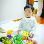 <トレンドブログ>カン・ギョンジュン♥チャン・シニョンの次男、その間スクスク育った近況..半分ずつ似ていてかわいいね