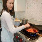 女優ソン・テヨン、夫クォン・サンウと子供たちのため料理に励む日常を公開