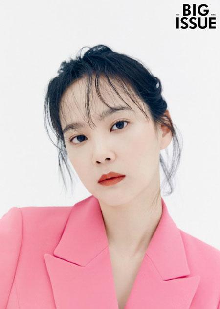 女優ユン・スンア、グラビアを通じた才能寄付を実践…「社会参加活動はおたがいの小さな信頼」