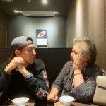 【トピック】「CNBLUE」イ・ジョンシン、母親とのツーショットを公開