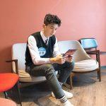 2PMウヨン、学生服姿で少年のような魅力アピール