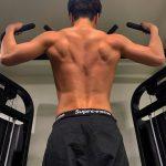 <トレンドブログ>「iKON」JU-NE(ジュネ)、トレーニング中の背中の筋肉を誇る