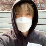 """ジェヒョン(NCT127)、マスク着用で投票""""認証""""…「投票完了」"""