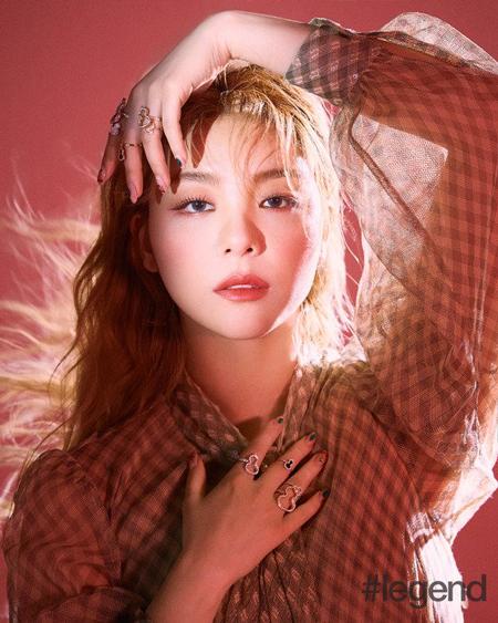 Ailee、グラビアでコケティッシュな魅力をアピール…コロナ克服「常緑樹」プロジェクトにも参加