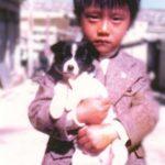 """イ・ビョンホン、可愛らしい幼少期の写真を公開…""""美男DNA""""認証"""