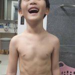 """<トレンドブログ>イ・ドングク選手の息子シアンくん、7歳の""""男の中の男""""の腹筋にびっくり!!...""""笑えば出てくると自慢"""""""