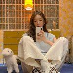 """<トレンドブログ>「DAVICHI」カン・ミンギョン、伴侶犬ヒュジとかわいさいっぱいな日常""""人形みたい"""""""