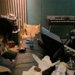 「BLACKPINK」ROSE、オンライン・ミニライブ開催…JISOOとLISAも視聴