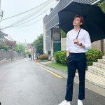 ニックン(2PM)、王子様のような姿で胸キュン誘発…傘の中に入りたい